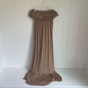 Forever 21 Tan Off the Shoulder Maxi Dress Size S